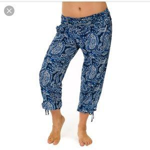 ONZIE S/M Blue Indigo Paisley Gypsy Pant